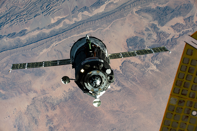 iss063e107170