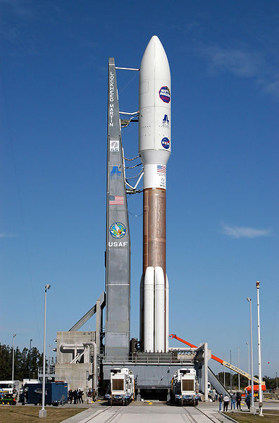 396px-Atlas_V_551_with_New_Horizons_on_Lauch_Pad_41.jpg