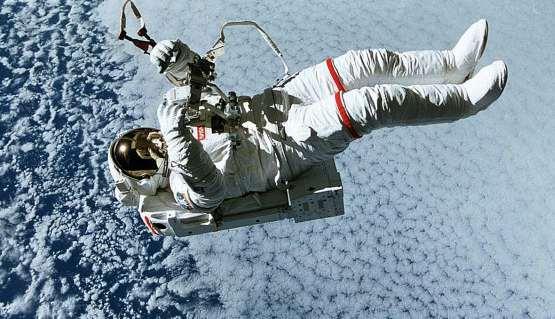 STS-64-SAFER.jpg