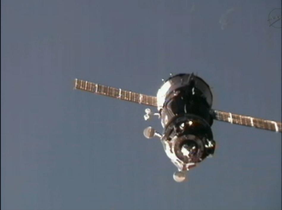 soyuz-expedition30-docking-2-december-23-2011.jpg